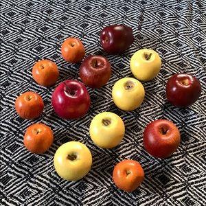 Other - Bundle of 14 apples for vase filler